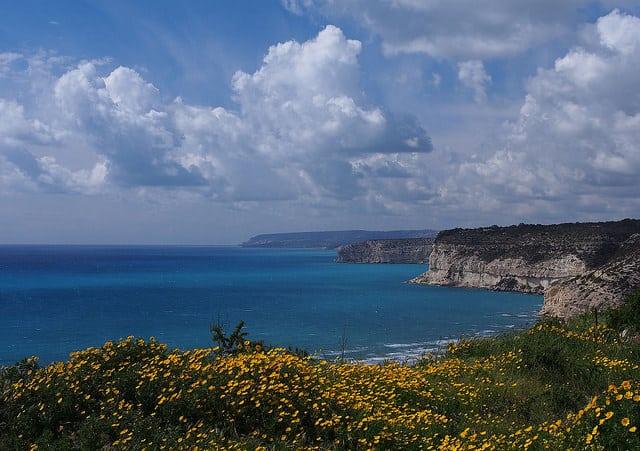 Real estate and investment programs in Cyprus. Недвижимость и инвестиционные программы на Кипре - cyprus 2016 coast